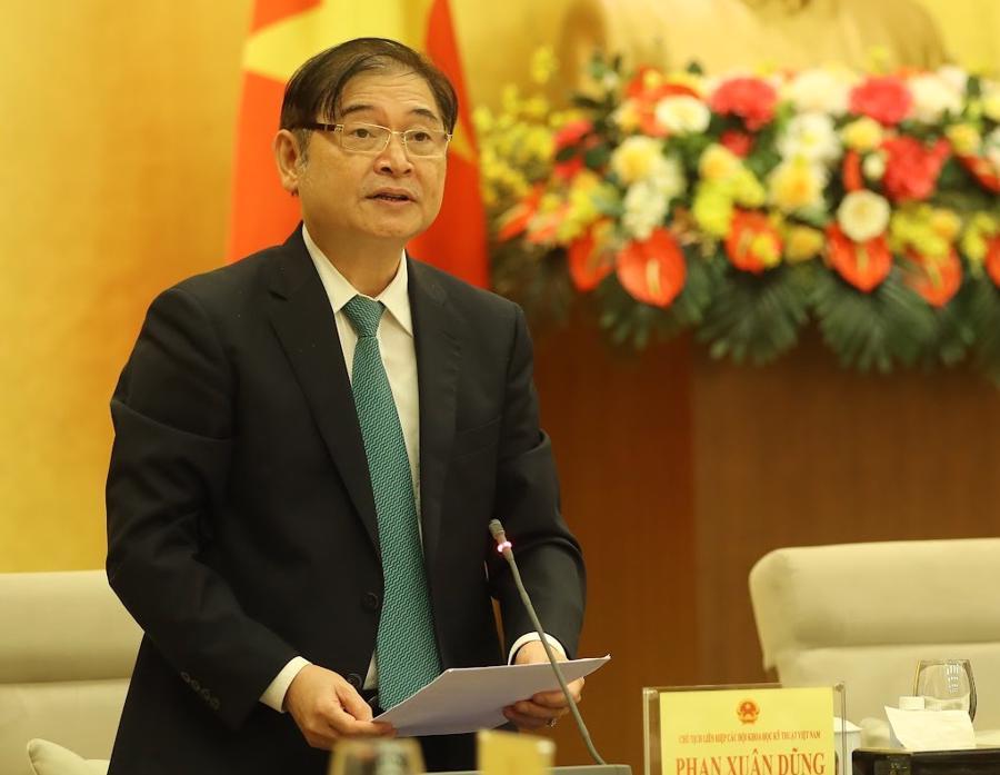 Ông Phan Xuân Dũng, Chủ tịch Liên hiệp các Hội khoa học kỹ thuật Việt Nam phát biểu tại buổi gặp mặt - Ảnh: Giang Nam.