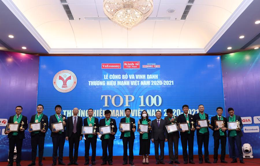 Một số doanh nghiệp nằm trong TOP 100 Thương hiệu Mạnh Việt Nam 2020-2021 - Ảnh: Xuân Khoa