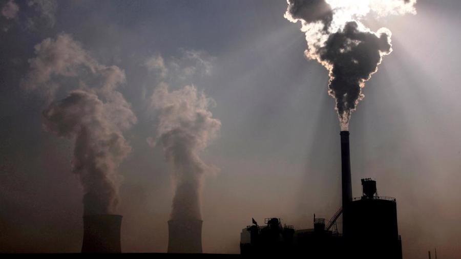 Nhu cầu điện tại Ấn Độ tăng mạnh khi nền kinh tế bắt đầu phục hồi sau làn sóng Covid-19 thứ hai - Ảnh: AP